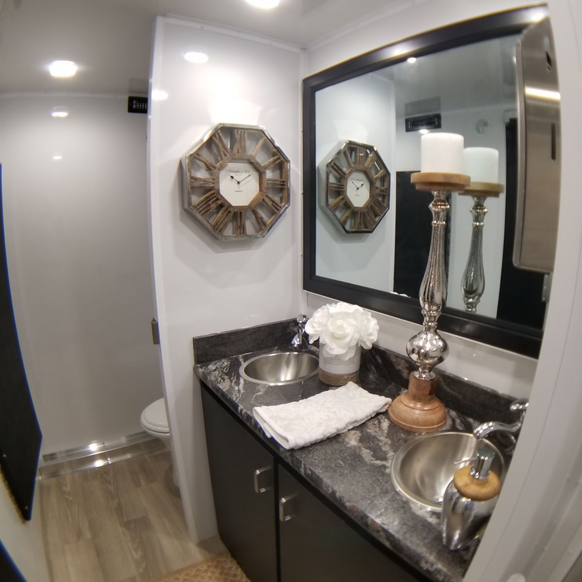 5. Lang Specialty Trailers 14.5-5 Pro Series Restroom Trailer (11)